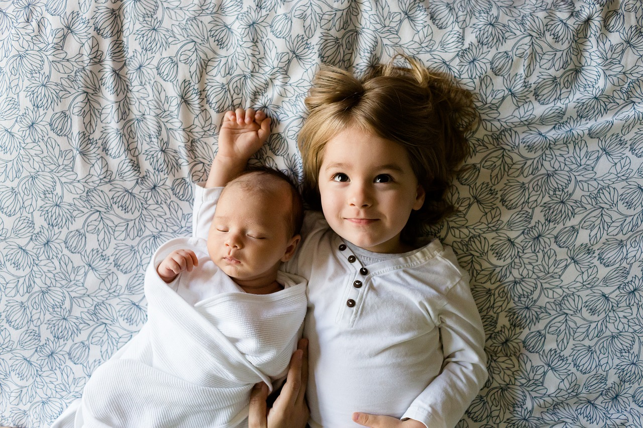 10 Funny Things Girls know about their Brothers
